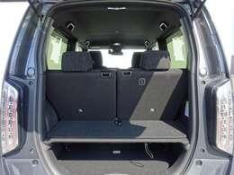 ★リアシートは前後スライドが可能!リアシートを広くゆったり座れるようにしたり、リアシートは使用したいけど、荷物も多く載せたいときなど、用途に合わせてアレンジ!★