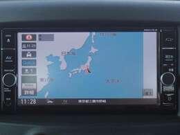 純正メモリーナビ(MM317D-W)付だから初めての場所へのお出かけも安心。地デジTVが見られDVDが再生出来ます。