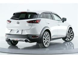 車体を安定させるリアスポイラーが設けられております。スポーティーなお車です!