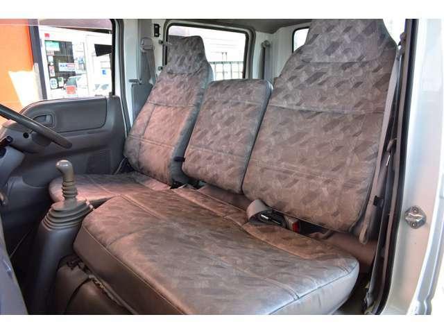 ■助手席も広々していて意外に座り心地がいいです■