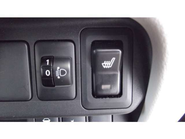 女性にも嬉しいシートヒーター付き。運転席のシートを暖かくしてくれるので、寒い冬も快適です。