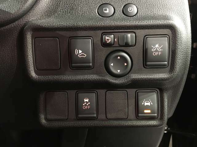 最近のクルマは操作ボタンも増えております。操作もお尋ねください☆