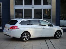 308SW(ガソリン)スペシャルエディション 6ATのパールホワイトです。