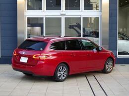 308SW(ディーゼル)テックパックエディション 8ATのアルティメットレッドです。専用装備が満載のモデルです。