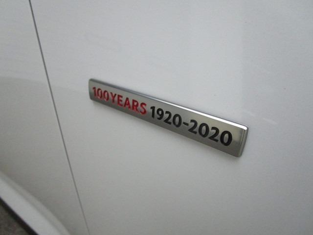 100周年特別記念車入庫しました!!当店に在庫ございますのでご契約後すぐに納車準備に入れます。お早めにご検討ください。