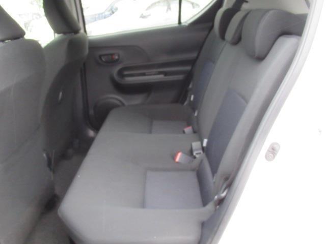 リヤシートはシートの座面が長く、シートバックの角度を最適化したシート設定されています☆