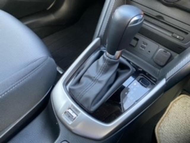 ATと力強さと、CVTの燃費を併せ持った、次世代6ATのスカイアティブドライブ搭載です。MT感覚でシフトチェンジが可能なアクティブマチックも付いております。