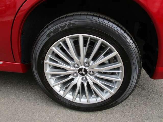 純正18インチアルミホイール タイヤサイズ 225/55R18
