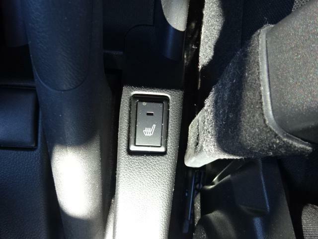 運転席シートヒーター付。