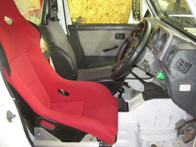 内張りはJA11用に交換済 バケットシート シートレール付