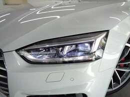 対向車や先行車を検知し、ハイビームの照射を自動で配光するマトリクスLEDヘッドライト!