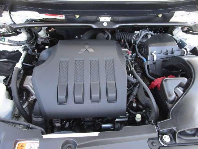 1500CCのガソリン車です。エンジンルームも綺麗ですよ。