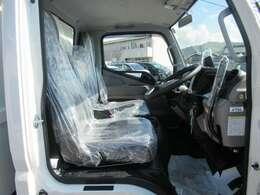 内装はシートビニールを貼っていますので、泥汚れにも強く、掃除もしやすいです!お気軽に無料電話 0066-9711-659036 までお問い合わせ下さい!