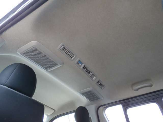 3.0ディーゼルターボ 4WD 5ドア Wエアコン リアヒーター ナビ TV バックモニター ETC !!