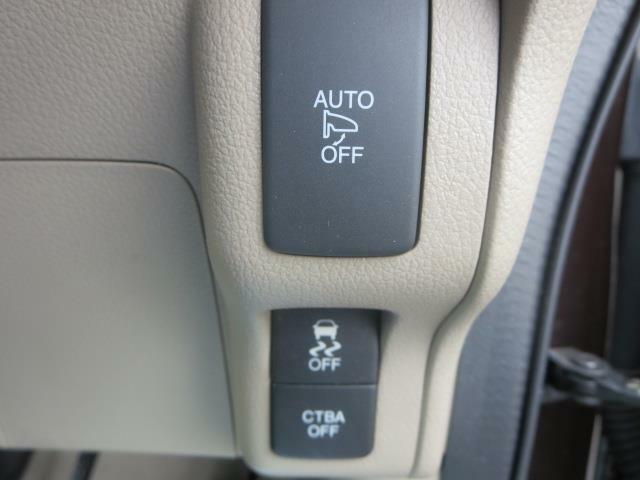 電動格納ミラーは鍵と連動で自動開閉♪横滑り防止装置も付いてて安全面でも安心です♪