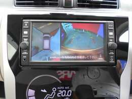 アラウンドビューモニターも付いて、車庫入れも安心です。