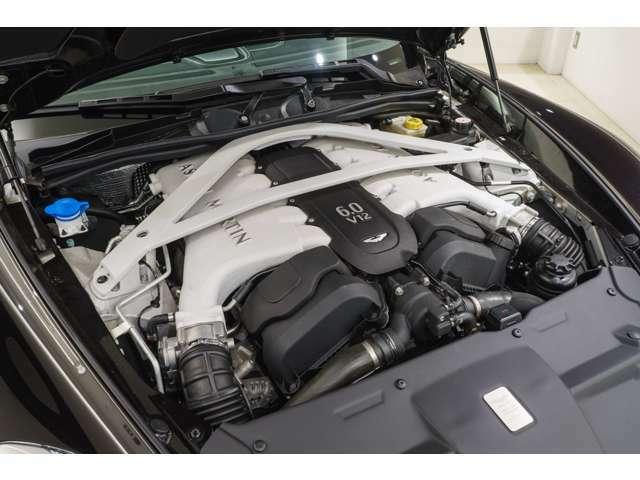 絶滅危惧種とされるアストンマーティン製NA 5.9リッターV12エンジン、是非ご堪能いただきたい逸品です。