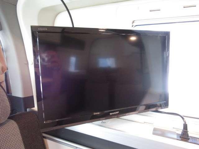 テレビも付いていますので車中泊も充実♪