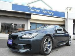 BMW M6 4.4 黒革/カーボンルーフ/Iセーフティ/HUD/LED