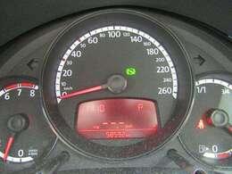 走行5.9万Kmとなっています。ABS、Wエアバック付きです。