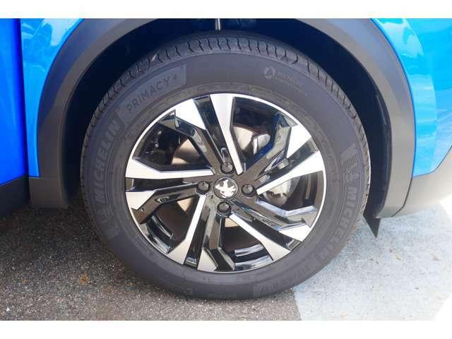 タイヤ溝もしっかりと残っております。