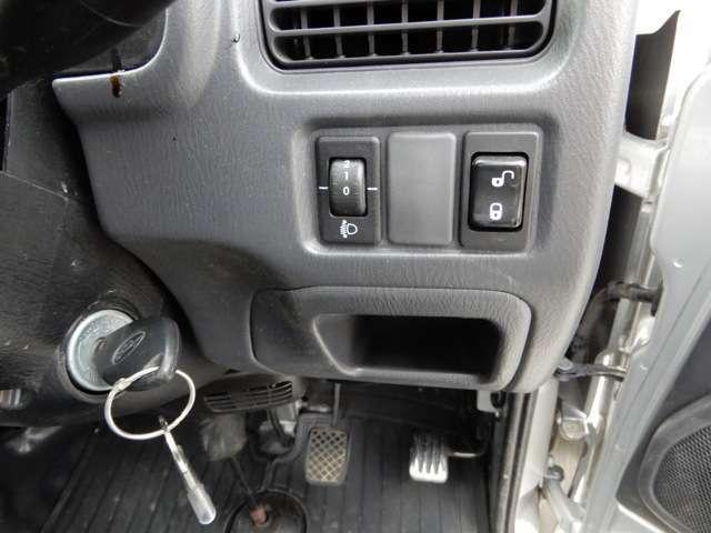 お車の点検・整備からアルミホイール・ナビ・ETC・バックカメラ・ドライブレコーダーなどアフターパーツの取り付け・販売もお任せください。取り付けも格安にて承ります。