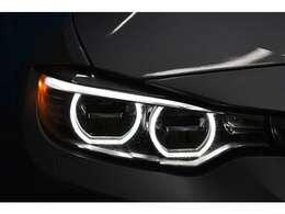 先進装備アダプティブLEDヘッドライト!安全性はもちろんデザインも優れたヘッドライトです。夜道も安心して走行可能です。省エネルギー性にも優れております!
