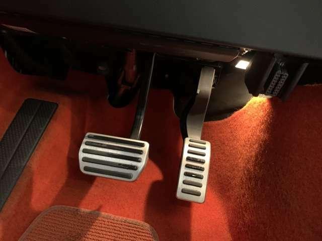 ★☆ボルボのエアコンは空気の質が低下すると(トンネルなど)自動的に外気導入口を閉じ、内気循環に変更します☆★
