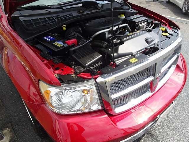 5.7L V8 HEMI E/gです。ご購入後のメンテナンスやカスタム・車検等もぜひご相談下さいませ。納車前には点検整備を施しお納車させていただきます。