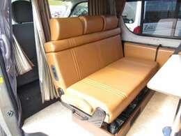 もちろん対面座席としても使用が可能となっております!