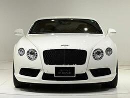 外装色は人気のGlacier Whiteになります。