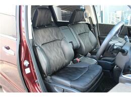 こちらのお車はハーフレザーシートで禁煙車のお車になります!!内装にタバコ臭・焦げ跡・動物臭などもなくオススメです!無料お問い合わせ番号は0066-9711-562516まで!