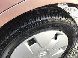 タイヤの状態も良くて、溝が7割以上残っています