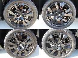 17インチシャイニーブラックアロイホイール+グッドイヤーオールシーズンタイヤ!4本ともに綺麗です
