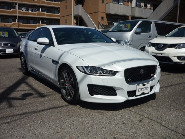 当社にて販売、メンテナンス車両のXE-S!スーパーチャージャーの走りはとてもパワフルです。
