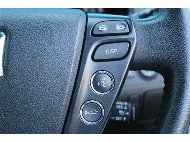 プリクラッシュセーフティシステムが付いております!レーダークルーズコントロールが付いておりますので、高速道路走行時は前方車両を感知して自動で加減速を致します。