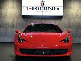 フェラーリ V8ミッドシップ自然吸気最終モデルの、458イタリア。自然吸気ならではの迫力のフェラーリV8サウンドをご堪能頂けます。