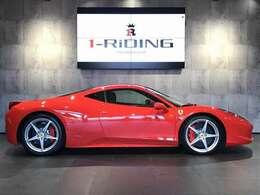走行距離も8000km台と大変少なく、外装内装ともに大変綺麗なコンディションを保っております。