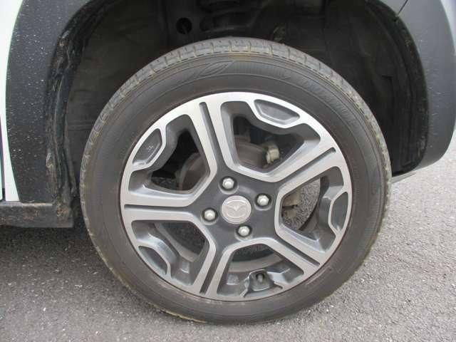 車両にあったデザインのメーカー純正アルミホイールです!オシャレは足元からですね!!