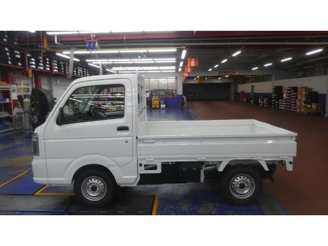 当店は、近畿運輸局長指定工場を併設しており、ご契約いただいたお車をご納車までに安心の納車前点検を実施させていただきます。