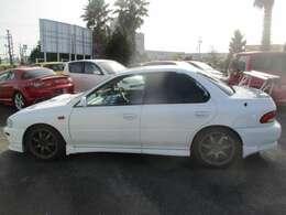 販売はもちろん、修理や車検などのアフターも全てお任せください!