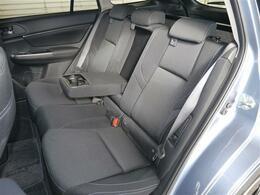 後席シートもファブリックブラックカラーのシート・勿論ミラクルウルトラキレイです!