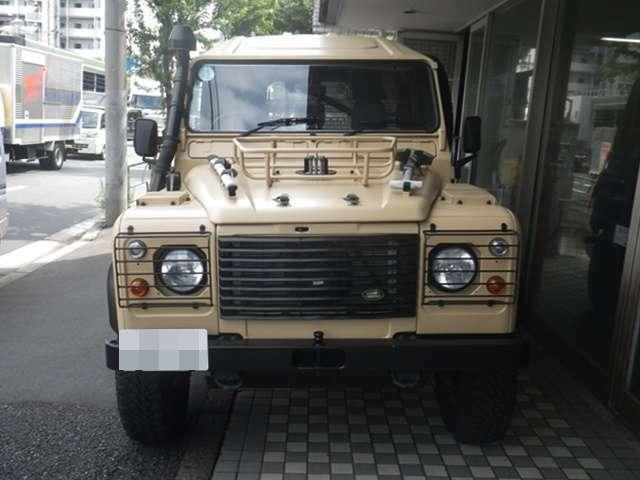 https://ameblo.jp/defender110cleveland/entry-12685802012.html こちらの車の記事です。ぜひご覧ください。前オーナーがベージュに塗装する前から、弊社で輸入し、販売してきた安心できる中古軍用車です。