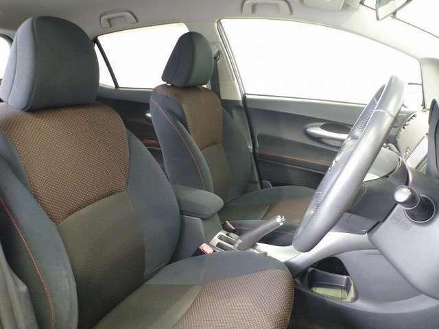 広々とした室内で、座りやすいシートです♪