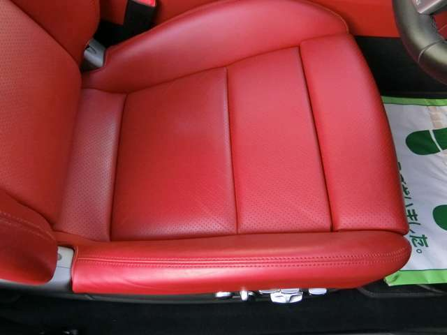 ドライバー席座面