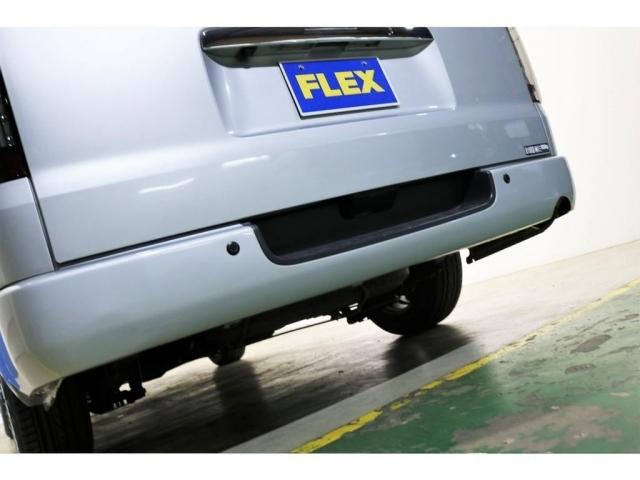 リアにもコーナーセンサー搭載済みで安心して駐車出来ます!