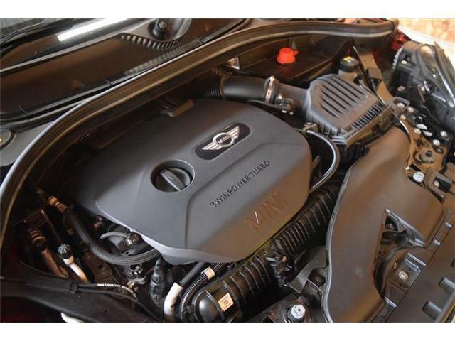 エンジンに異音やオイル漏れはなく、とてもコンディションの良いエンジンです