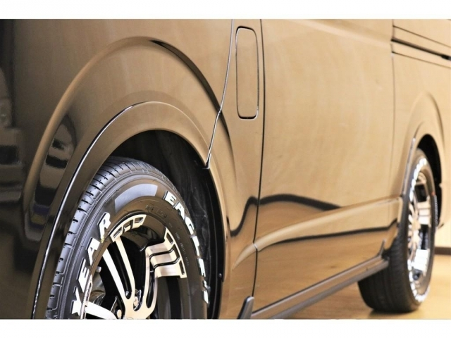 【オーバーフェンダー装着済】4WD車両で気になりがちなタイヤハウスのクリアランスもオーバーフェンダーの視覚効果で緩和しております♪