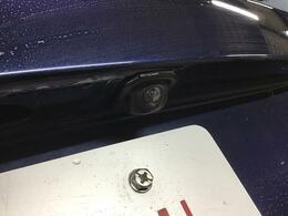 駐車時の後方安全確認に有効なバックカメラ付きです!