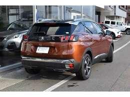 プジョーの新世代SUV3008。GTLineは電動テールゲート装備です。